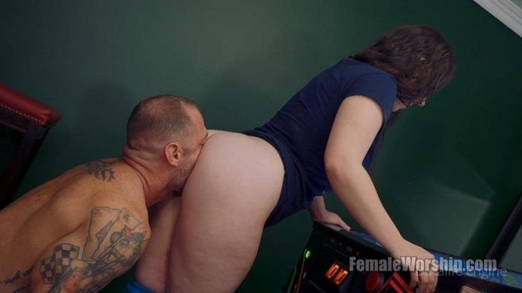 I Think You're Good Luck Back There (FemaleWorship.com) | (HD | 2017)