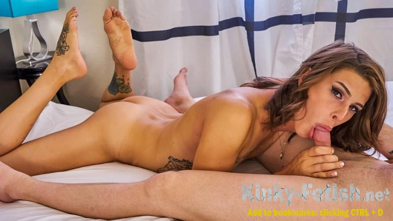 Casey Kisses - Casey Kisses Takes On Mike Panic's Big Cock! (ShemaleYum) | (SD | 2017)