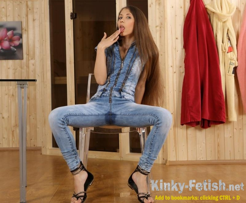Stefany - Solo (WetAndPissy) | (FullHD | 2016)