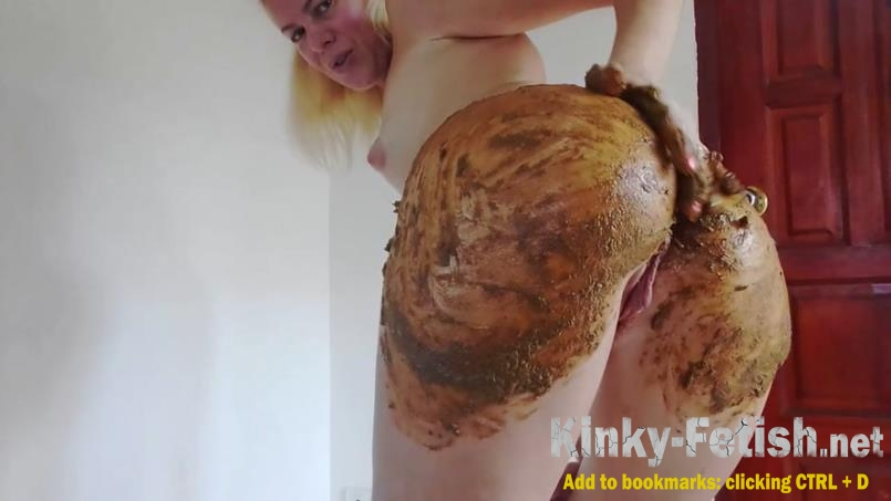 MissAnja - Enema and Huge Poo in Silk Bikini Smearing (HD | 2019)