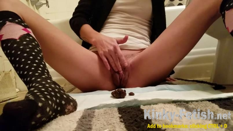 FoxyJ - Frontal poop and masterbate (FullHD | 2020)
