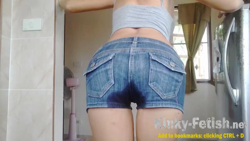 MissAnja  - Peed Myself in Blue Jeans Short Desperation  (FullHD | 2020)