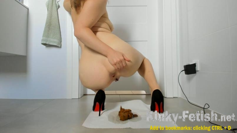 Young sexy lady shitting in high heels (UltraHD/4K | 2020)