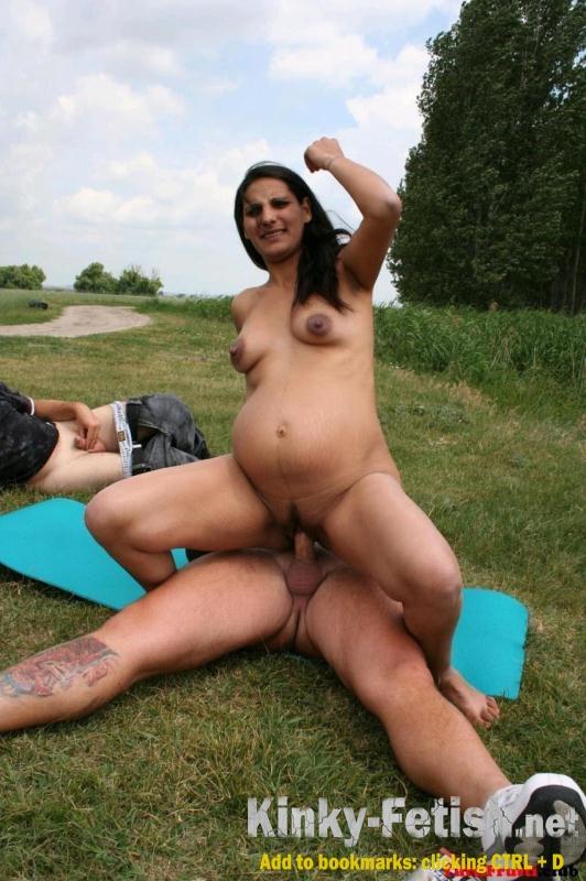 Pregnant girls pissing