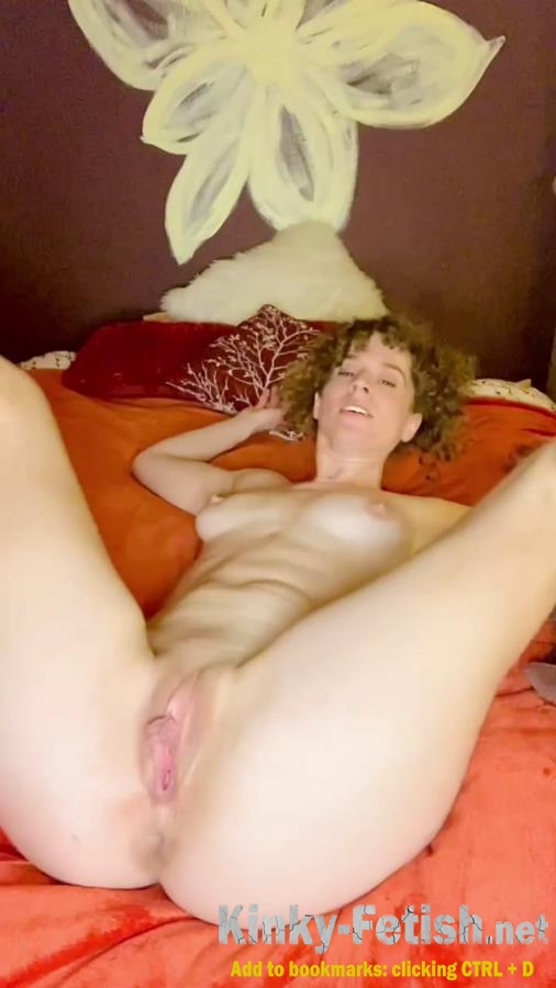 VibeWithMolly  - Sexy dance, masturbate and poop (UltraHD/2K | 2020)